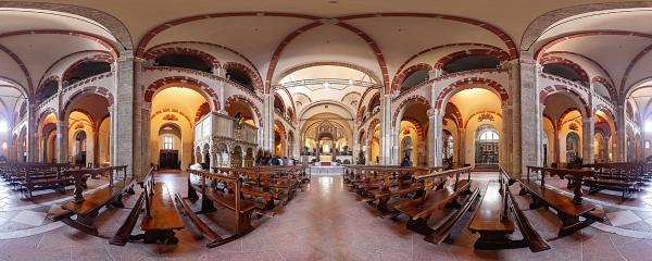 L'interno della famosa Basilica di Sant'Ambrogio a Milano