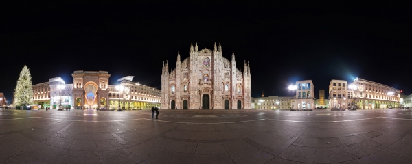 Virtual Tour: The center of Milan by night