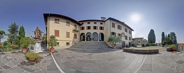 Court of Ca' Maitino in Sotto il Monte, Bergamo