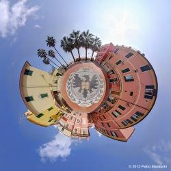 Laigueglia - La Piazza Marconi con l'aquila simbolo di Laigueglia